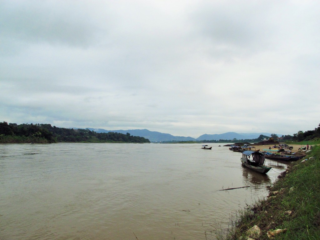 first look at Mekong - Thailand on one bank, Laos on the other